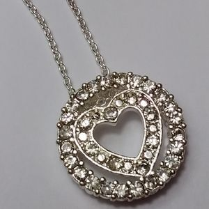 Circle heart pendant necklace in pouch new Avon